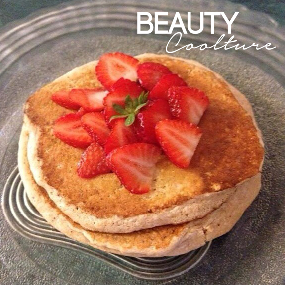 oats pancakes with strawberries